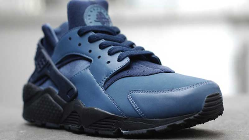 black and blue huaraches
