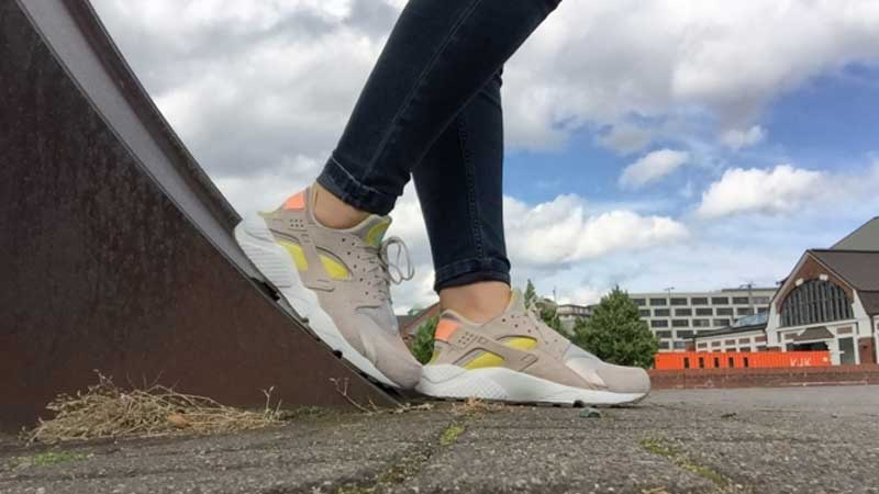 Nike-Air-Huarache-Sunset-Glow