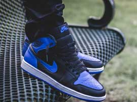 Retro-Black-Varsity-Royal-Blue-White-OG-Jordan-1-Original-Release
