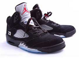 Air-Jordan-5-2007-Retro-Black-Metallic-Silver-Red-23