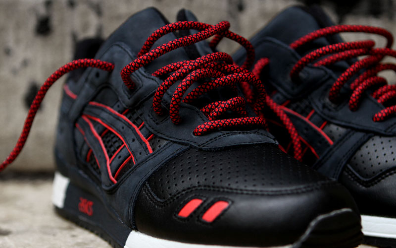 ronnie fieg x asics total eclipse leather toes gel lyte iii · red black rope laces